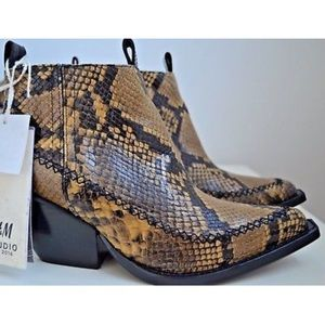 H&M Shoes - H & M A & W collection 2016 snakeskin pointed boot